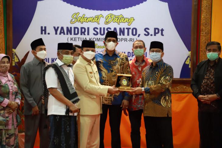 Bupati Aceh Besar sampaikan giat pembangunan ke Komisi VIII DPR
