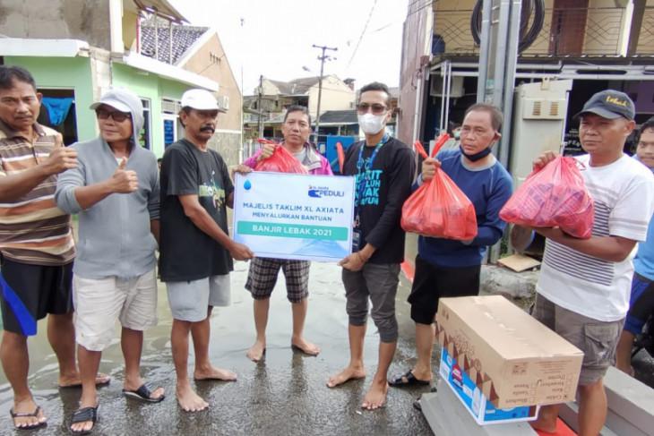 Majlis Ta'lim XL Axiata salurkan bantuan korban banjir di Lebak