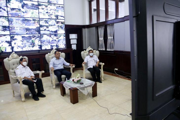 Wali kota lepas keberangkatan atlet Surabaya bertanding di PON Papua