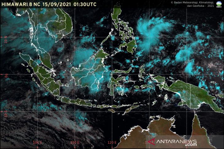 BMKG prediksi wilayah Indonesia dominan alami hujan ringan pada Jumat
