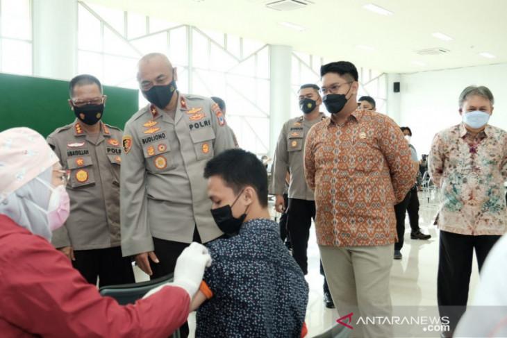 South Kalimantan Police administer 2,071 vaccine shots to Banjarmasin residents