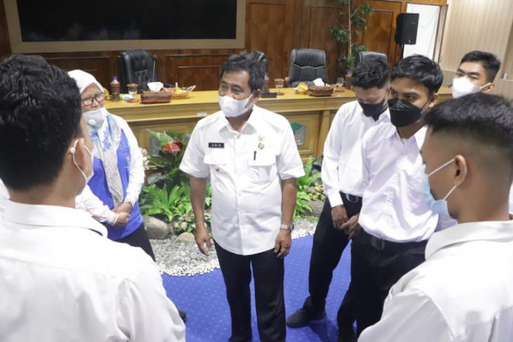 Wali Kota Binjai lepas 15 peserta magang ke Jakarta