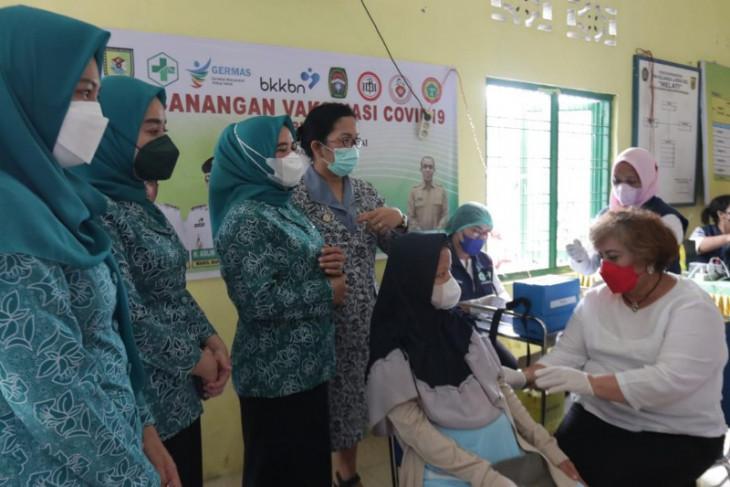 Pemkab Sergai vaksinasi ibu hamil