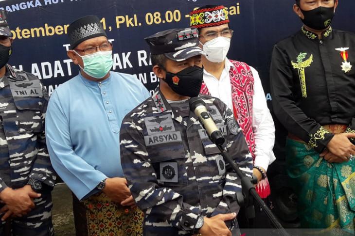 Pangkoarmada I tinjau serbuan vaksin di Rumah Radangk Pontianak