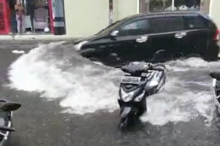 Pemkot akan benahi sistem drainase di Ternate waspadai banjir