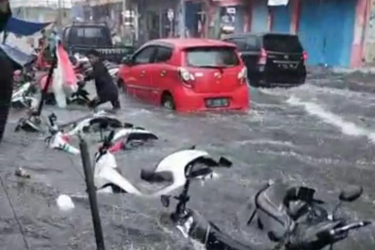 Kota Ternate Maluku Utara dilanda banjir