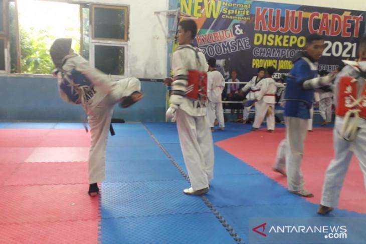 Taekwondoin Jambi siap dobrak dominasi Jabar di PON