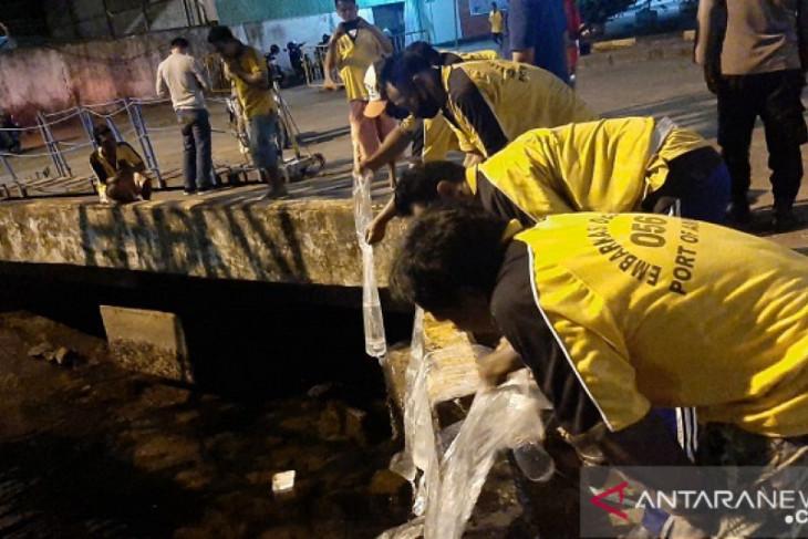 Polisi lakukan patroli dialogis sita puluhan liter miras intensifkan sosialisasi