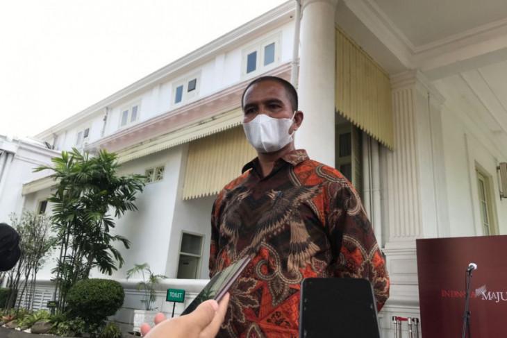 Pembentang poster ke Jokowi sebut Presiden ucapkan terima kasih