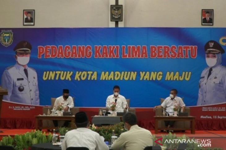 Pemkot Madiun bina PKL untuk dukung pertumbuhan ekonomi daerah