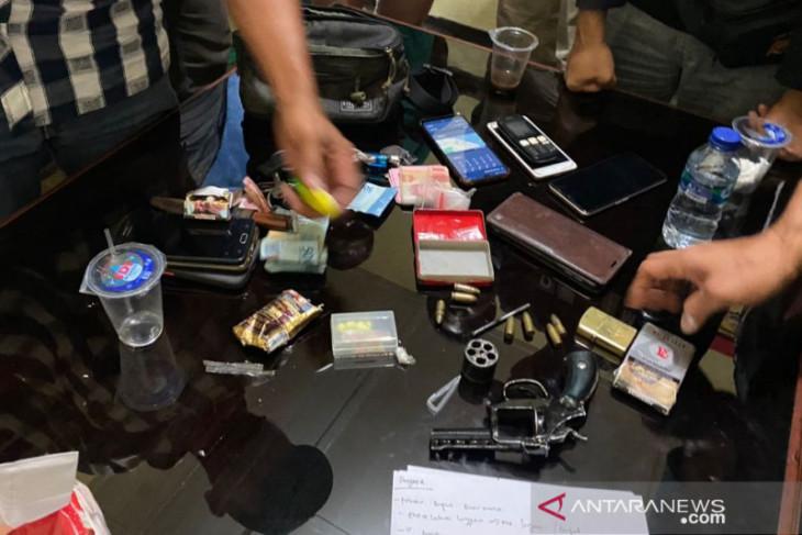 Polisi kembangkan kepemilikan senjata api bandar narkoba di Rejang Lebong