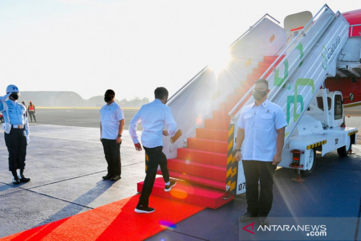Presiden Jokowi: Kita harus mulai belajar hidup berdampingan dengan COVID-19