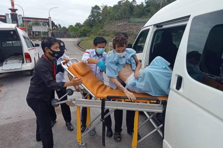 KJRI Kuching kembali pulangkan dua PMI ke Kalbar karena sakit