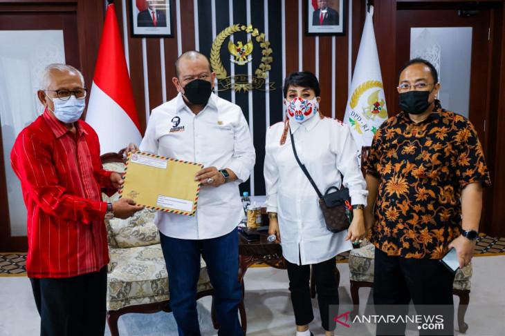 Perkumpulan Penghuni Tanah Surat Ijo Surabaya minta bantuan Ketua DPD RI