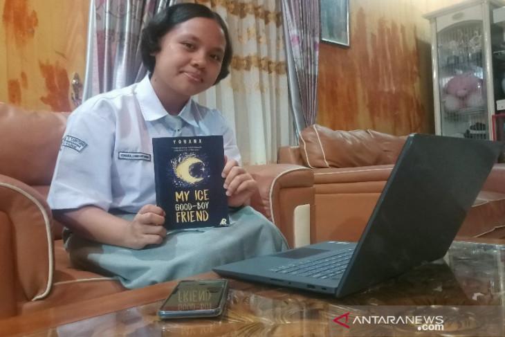 Yohana Lumbantobing, novelis muda inspiratif dari Tarutung