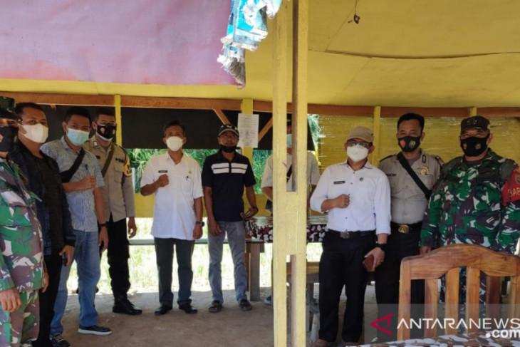 Polisi-TNI tutup lima warung jual tuak di Mukomuko