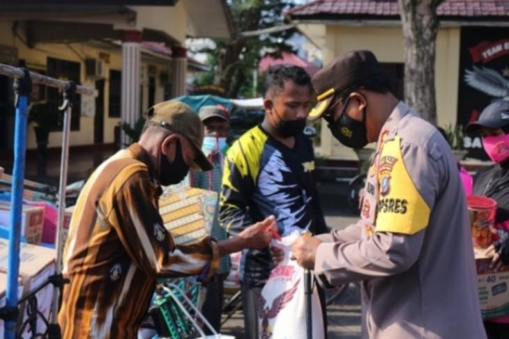 Polres  dan Bhayangkari Tebing Tinggi gelar  bhakti sosial