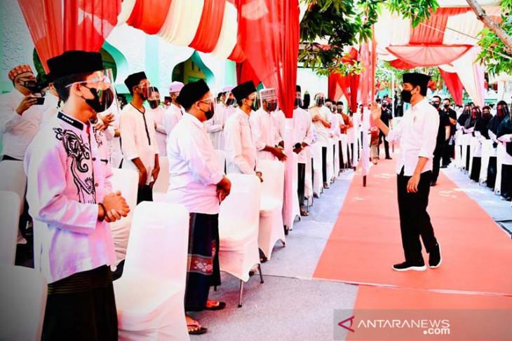 Presiden Jokowi harap vaksinasi di pondok pesantren segera tuntas