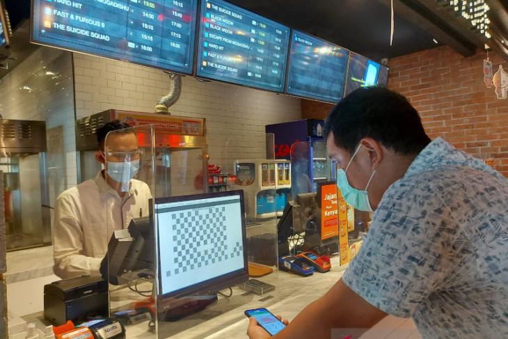 Cinemas postpone food, drinks sales to prevent visitors from unmasking
