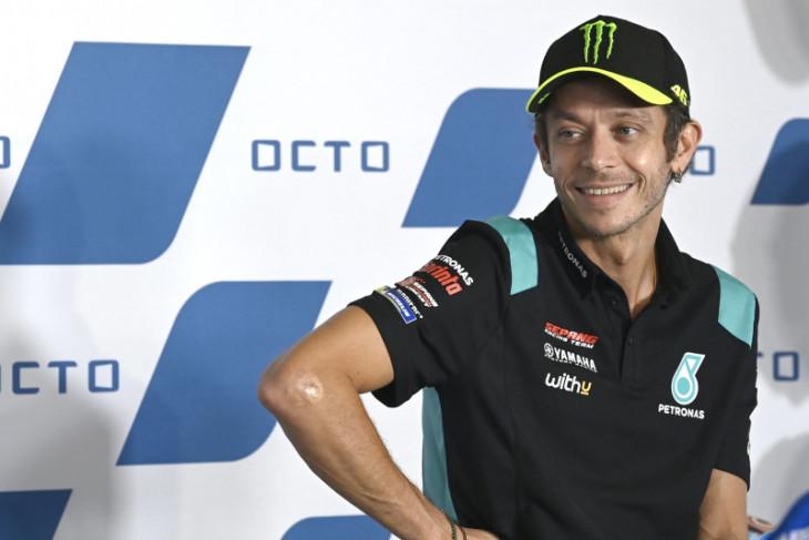 Valentino Rossi sambut Dovizioso sebagai rekan baru di SRT