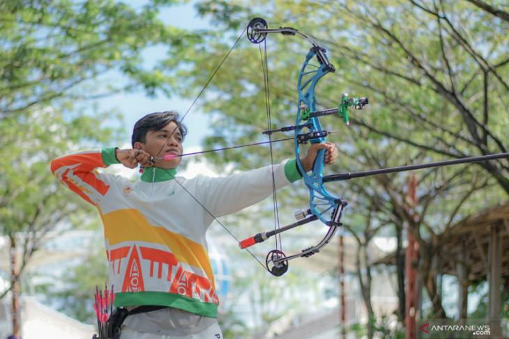 Atlet panahan Azmi Hamzah siap persembahkan medali untuk Kalbar