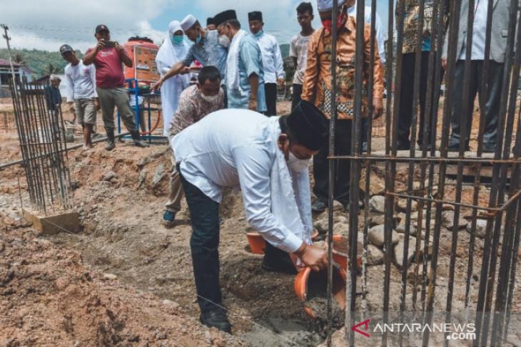 Wali Kota Padangsidimpuan lakukan peletakan baru pertama pembangunan Masjid Musafir