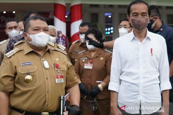 Kepada Dolly Pasaribu, Presiden Jokowi janji akan kunjungi Tapsel