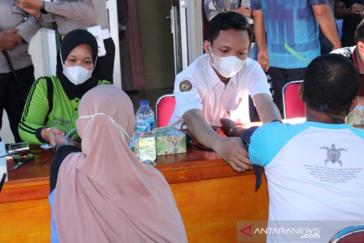 92 warga ikuti vaksinasi di Polres Mukomuko