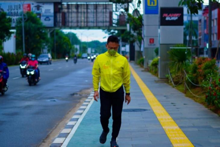 Wali Kota Pontianak jalan kaki lihat secara dekat kondisi kota