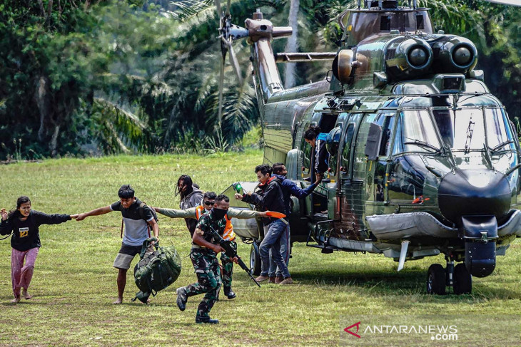 Indonesian army evacuates health workers from Pegunungan Bintang district