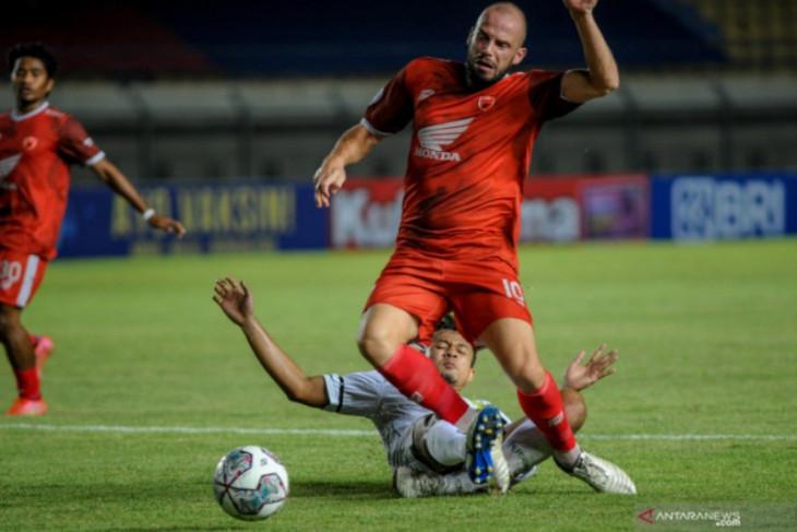 Liga 1: PSM kalahkan Persebaya 3-1