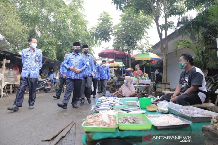 Sidak di Pasar Los Batu Kandangan pastikan ketersedian dan harga bahan pokok