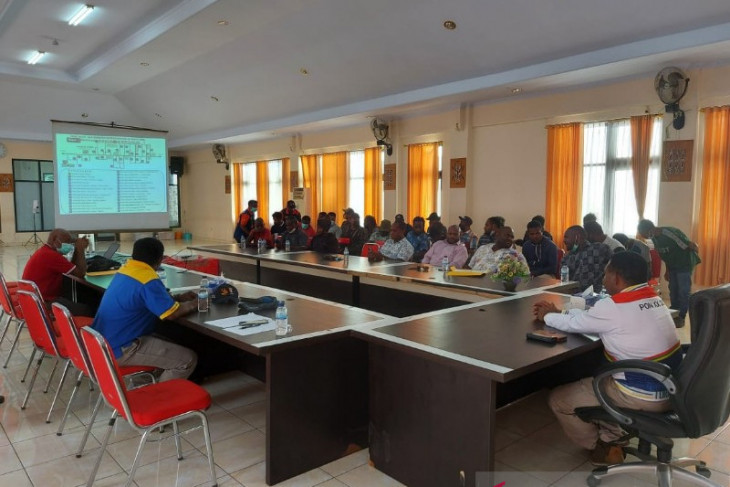 University students involved in preparations for holding Papua Games