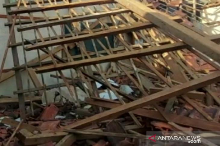 DPRD sarankan perbaikan SD Otista Kota Bogor gunakan biaya tak terduga APBD 2021
