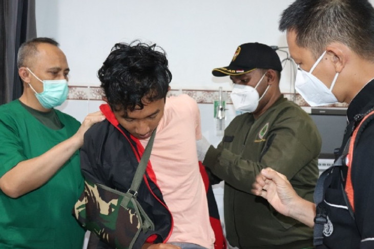 Empat nakes korban kekerasan KKB jalani perawatan di RS