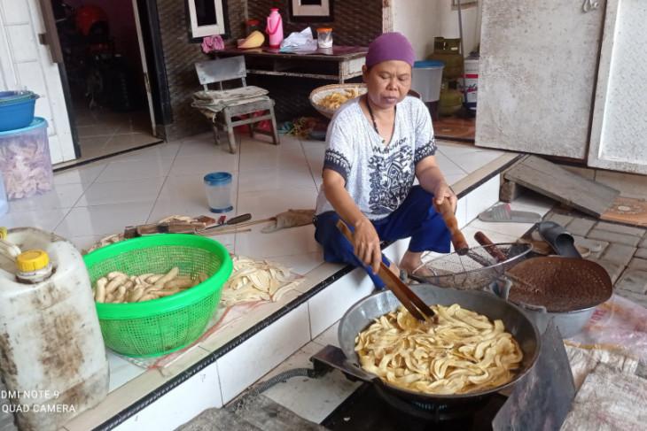 Permintaan keripik pisang di Lebak meningkat