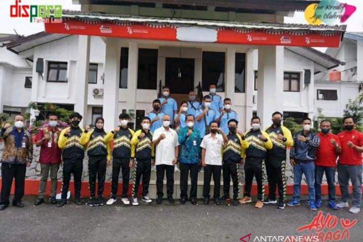 Regent releases 14 Tanah Laut athletes to Papua PON, Paralympic