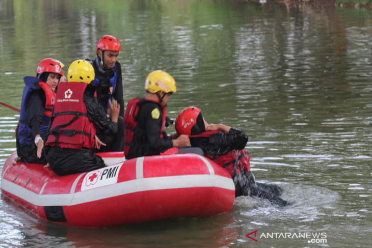 Peningkatan kapasitas relawan dalam tanggulangi bencana
