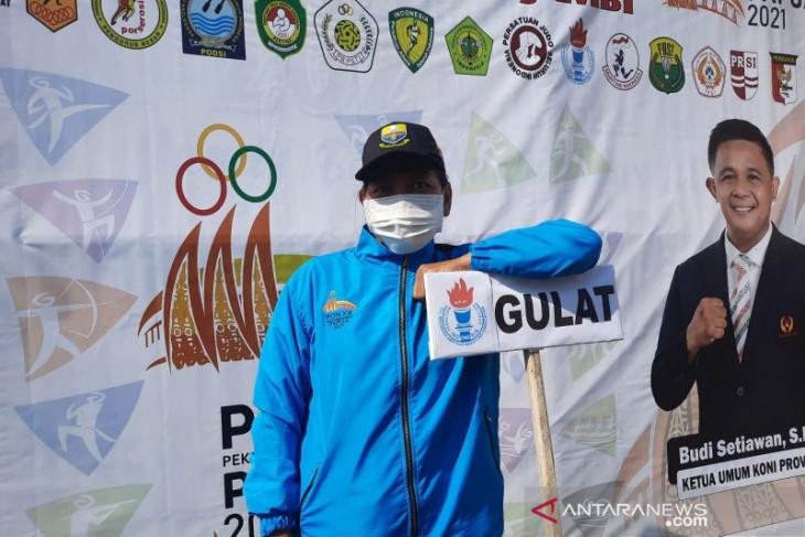 Indri Sukmaningsih fighting for gold despite age