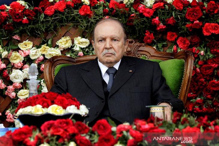 Aljazair tetapkan hari  berkabung bagi mantan Presiden Abdelaziz Bouteflika