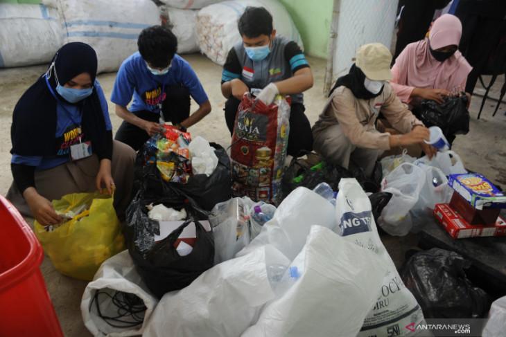 Green Moluccas programkan pilah sampah rumah tangga sumber ekonomi keluarga