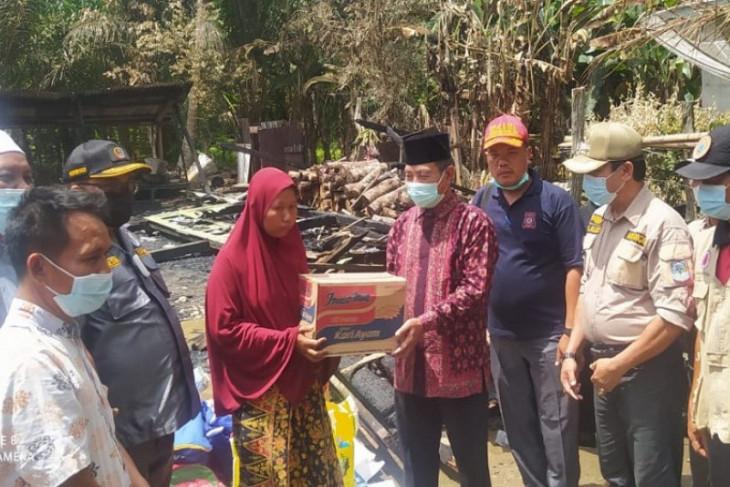 Ramoini (41), korban kebakaran di Mampun Merangin peroleh bantuan