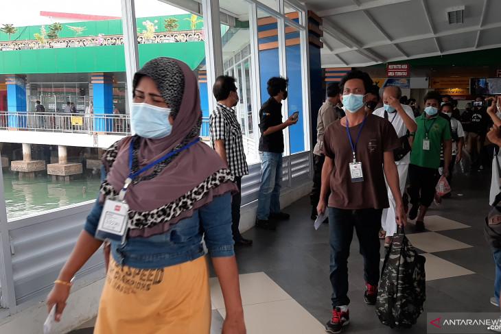 Pandjaitan lauds handling of migrant workers' arrival in Riau Islands