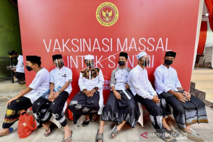 Satgas COVID percepat vaksin remaja Aceh, cakupan baru 19.835 orang