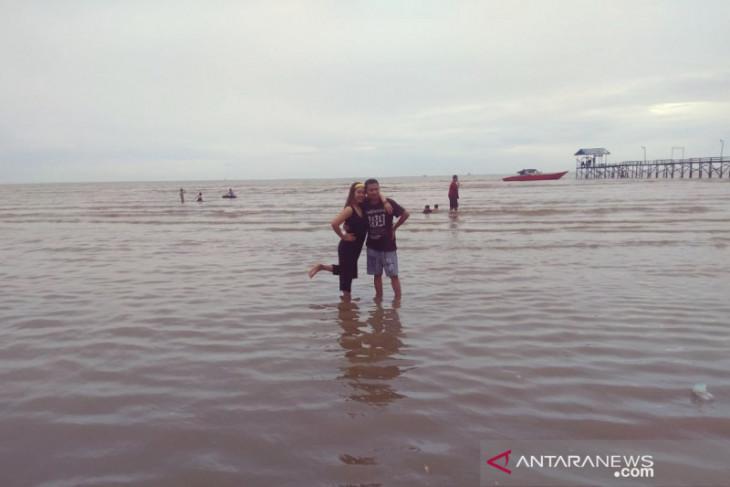 Pantai Biru Kersik Kaltim jadi pilihan menarik wisatawan