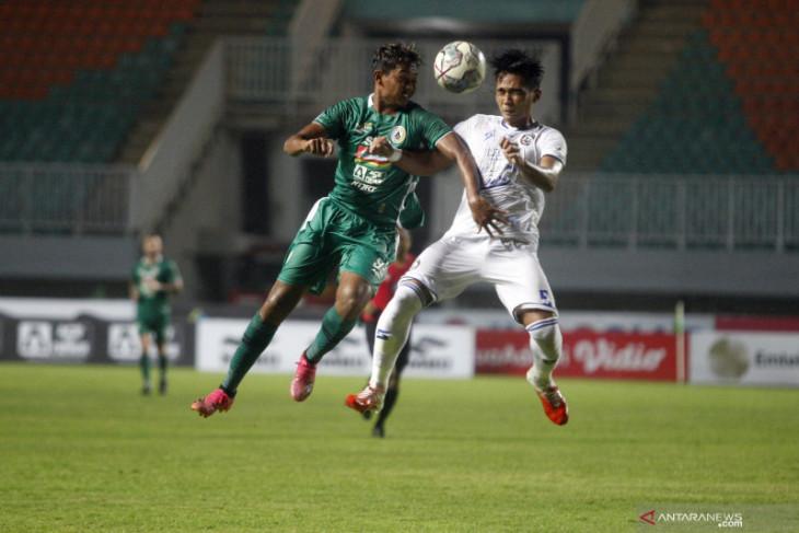 Liga 1: PSS kalahkan Arema 2-1 untuk raih kemenangan perdana