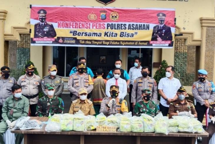 North Sumatra police in Asahan District seize 34.7-kg crystal meth