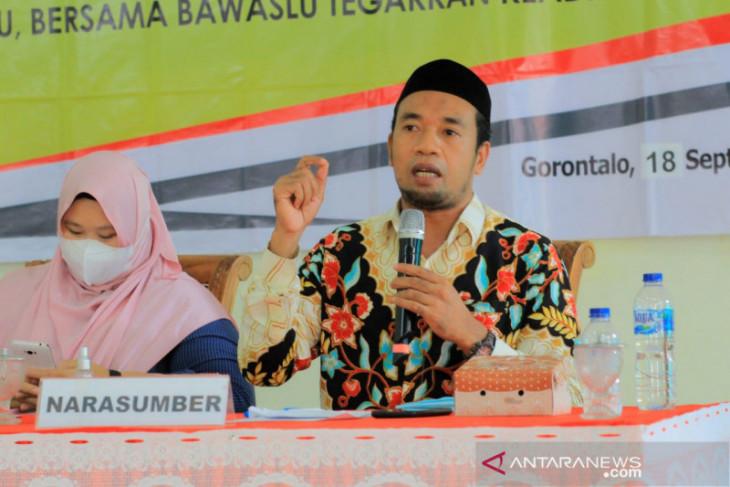 Bawaslu Gorontalo edukasi masyarakat cegah politik uang