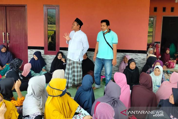 Relawan AHY di Kabupaten Serang gelar doa bersama dan bagikan sembako