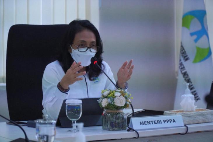 Menteri PPPA kecam KKB serang nakes dan guru di Papua
